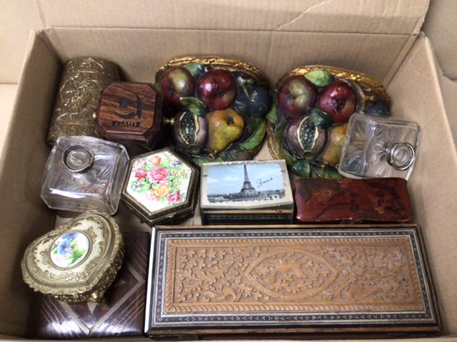 A MIXED BOX OF ITEMS, BOXES, BUTTONS, WALL SCONCES. - Image 3 of 3