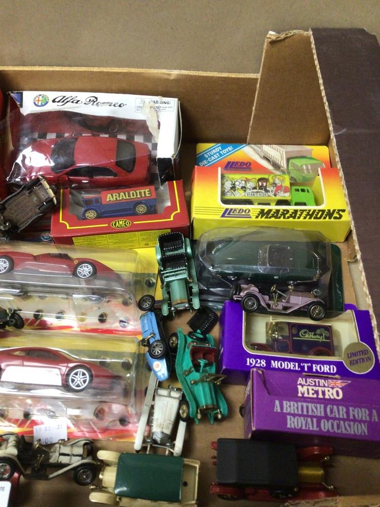A MIXED BOX OF DIE-CAST TOY VEHICLES SOME BOXED LESNEY, LLEDO, AND MODELS OF YESTERYEAR - Image 3 of 4
