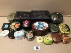 A QUANTITY OF MIXED BOXES, TRINKET, HAND PAINTED, ORIENTAL, PAPER MACHE, AND MORE