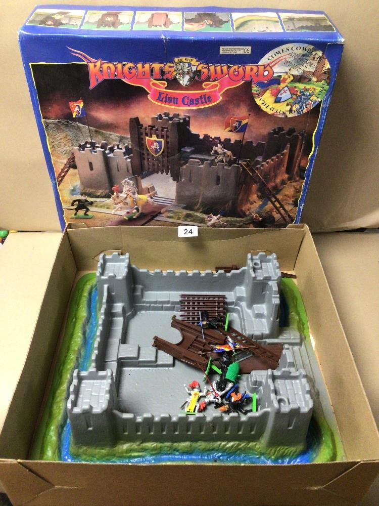 A BOXED BRITAINS KNIGHTS SWORD LION CASTLE