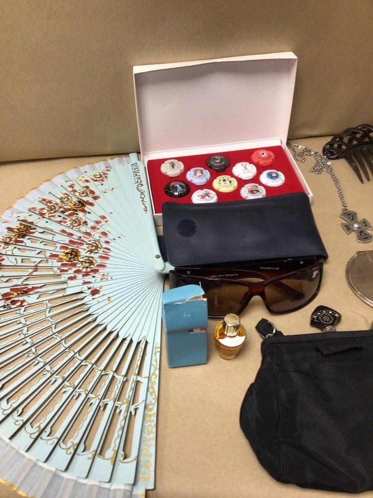 MIXED BOX OF FANS, COMPACTS, AND PERFUME WITH MORE - Image 3 of 3