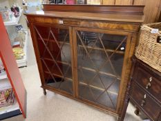 AN ART'S 'N' CRAFT'S DISPLAY CABINET WITH INLAY BY JAMES PARKINSON OF LIVERPOOL 122 X 28 X 130CM