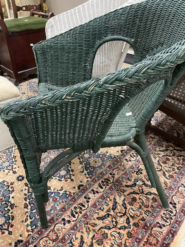 THREE LLOYD LOOM STYLE CHAIRS WITH A LINEN BASKET - Image 8 of 9