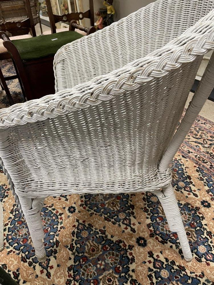 THREE LLOYD LOOM STYLE CHAIRS WITH A LINEN BASKET - Image 9 of 9