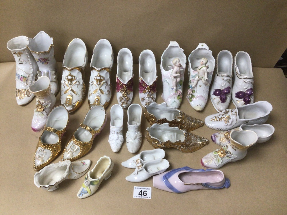 A LARGE COLLECTION OF VINTAGE PORCELAIN SHOES, SOME EARLY, INCLUDING SOME CONTAINING MAKERS MARKS TO - Image 2 of 5