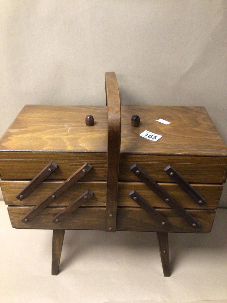 A WOODEN ACCORDION STYLE FOLDING LIDDED SEWING BOX WITH HANDLE, 43CM IN LENGTH (FOLDED) BY 24CM X - Image 4 of 4