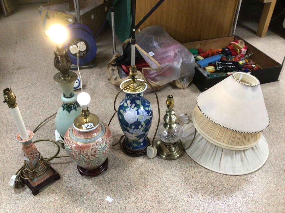 FIVE VINTAGE TABLE LAMPS, CERAMIC AND GLASS