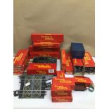 """A COLLECTION OF TRIANG RAILWAYS """"OO"""" / """"HO"""" GAUGE (PRECISION) SCALE MODELS, INCLUDES COACHES,"""