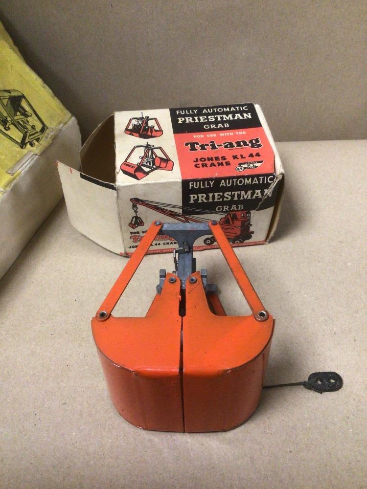 A BOXED TRIANG PREISTMAN GRAB JONES KL44 CRANE VINTAGE - Image 3 of 7