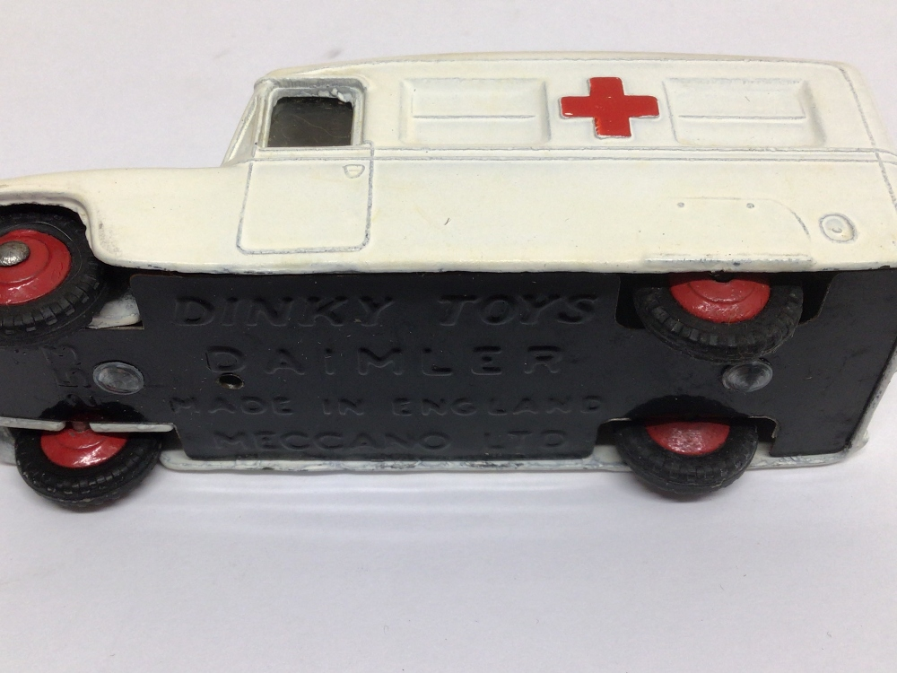 A BOXED DIE-CAST DINKY 253 DAIMLER AMBULANCE - Image 3 of 3
