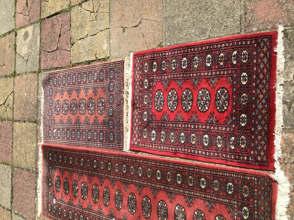 A VINTAGE WOOL CARPET RUNNER WITH TWO OTHER WOOL RUGS, LARGEST 195 X 65CM - Image 2 of 3