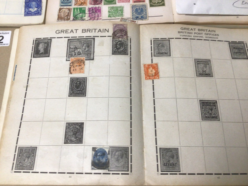 A COLLECTION OF STAMPS INCLUDES FIVE ALBUMS AND THREE ENVELOPES - Image 2 of 7