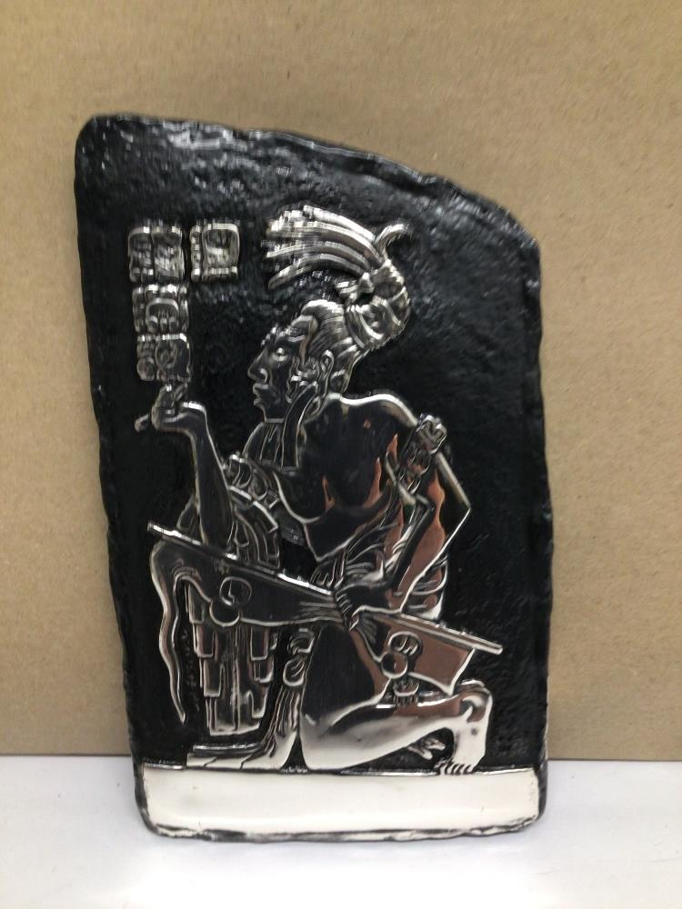 A D'ARGENTA WHITE METAL WALL PLAQUE OF A MAYAN KING, IN A KNEELING POSITION WITH HIEROGLYPHICS - Image 2 of 3