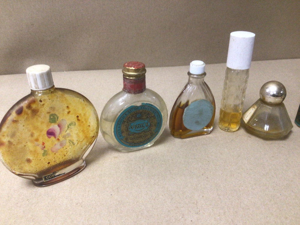 NINE SMALL VINTAGE OF MIXED COLOGNE AND PERFUME BOTTLES, ONE BOXED, SOME WITH CONTENTS, INCLUDES NO. - Image 4 of 5