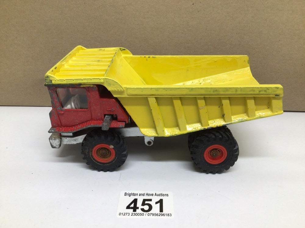 A PLAY WORN DINKY TOY AVELING BARFORD CENTAUR DUMP TRUCK - Image 2 of 4