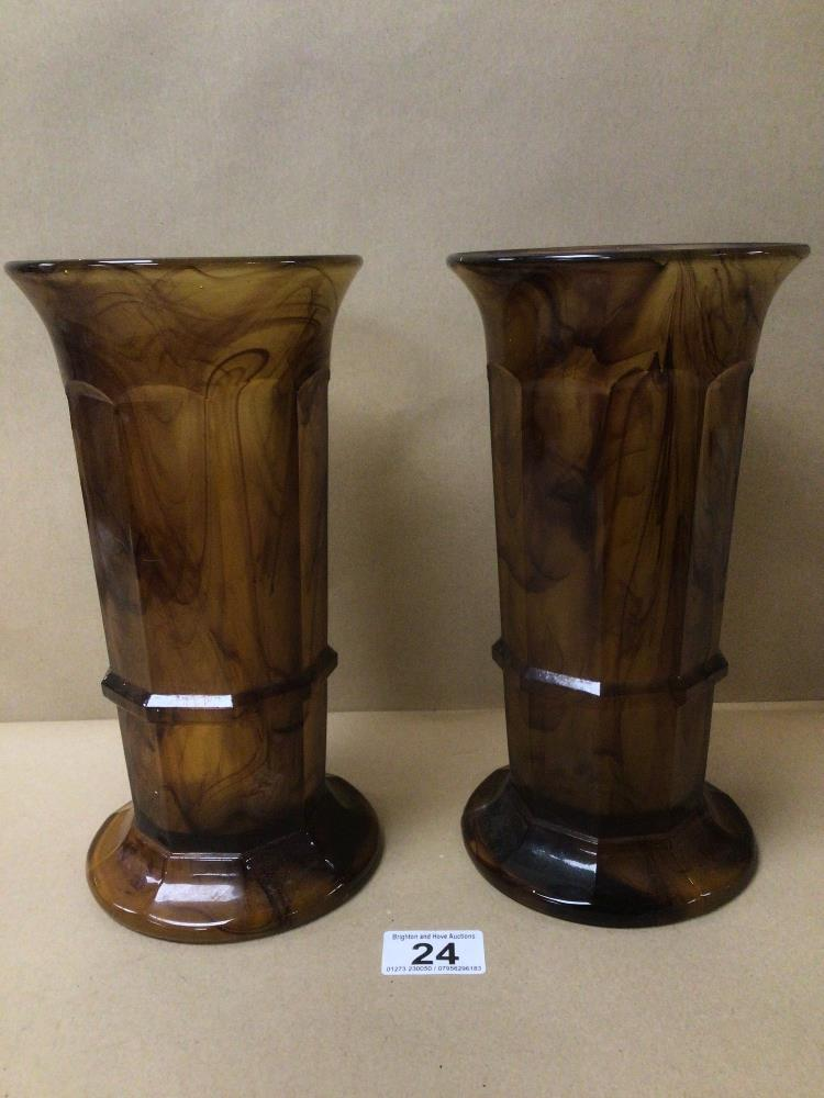 A PAIR OF ART DECO GEORGE DAVIDSON AMBER CLOUD GLASS 'COLUMN' VASE 26CM IN HEIGHT