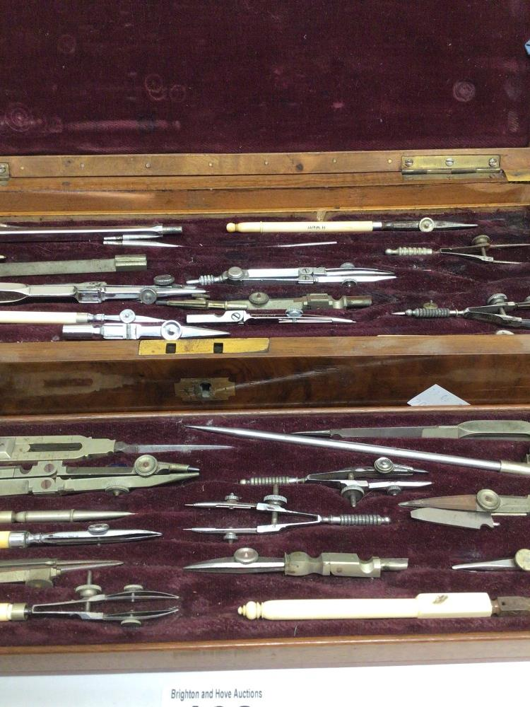 A VICTORIAN MAHOGANY CASED THREE TIER DRAWING INSTRUMENT SET - Image 4 of 7