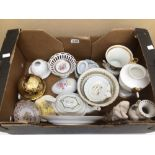 A MIXED COLLECTION OF POTTERY, INCLUDES LIMOGES 'LA REINE', MARTINRODA, AND MORE