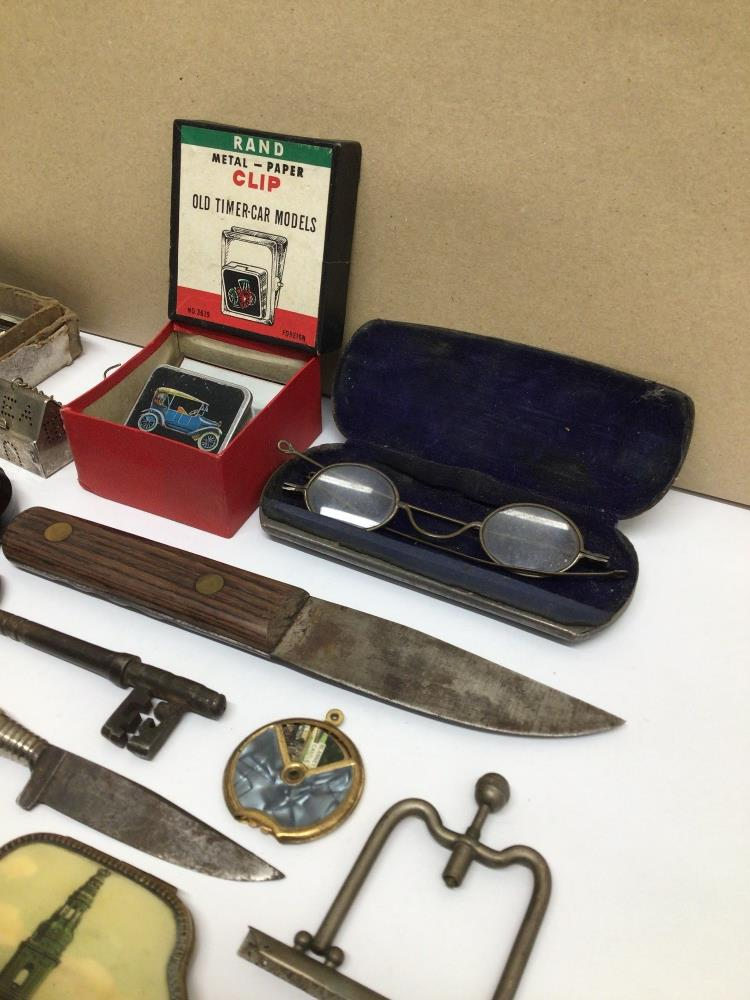 MIXED ITEMS INCLUDES STAHWX HORN HANDLE KNIFE, PICTURE FRAME, GLASSES AND MORE - Image 5 of 7