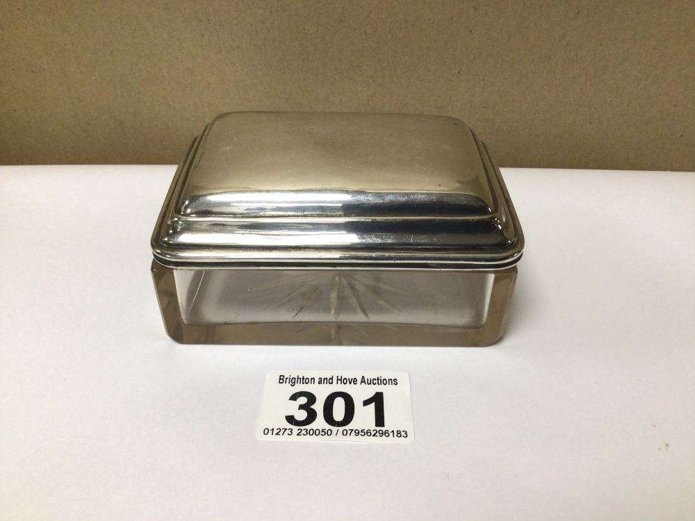 A VINTAGE 925 TOP BUTTER DISH (CHIP TO GLASS EDGE), 9 X 7CM - Image 2 of 3