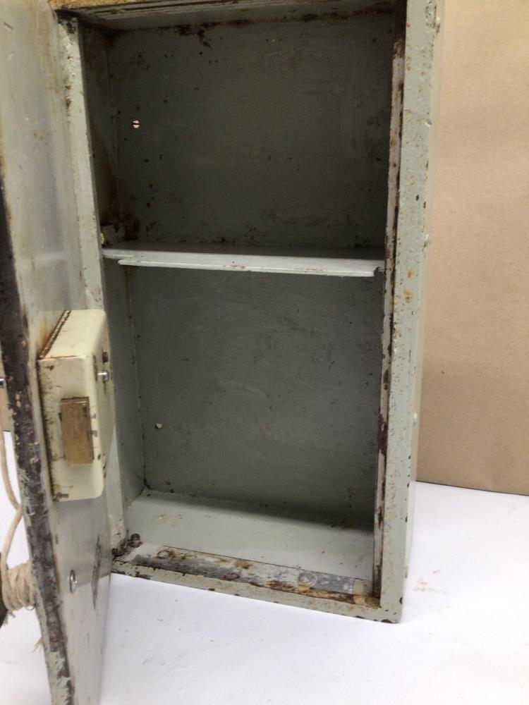 A VINTAGE METAL CHUBB WALL SAFE WITH LOCK AND KEY, 35 X 23 X 11CM - Image 2 of 5