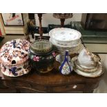 A MIXED QUANTITY OF CERAMICS, LIMOGES, QUEENS AND MORE