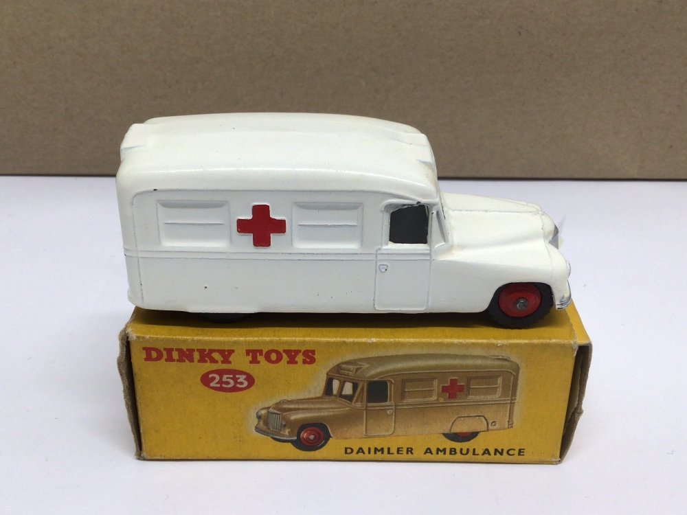 A BOXED DIE-CAST DINKY 253 DAIMLER AMBULANCE - Image 2 of 3