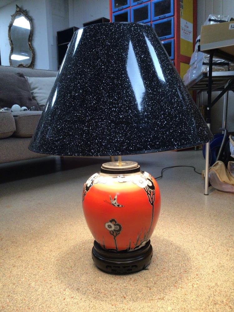 A VINTAGE CERAMIC TABLE LAMP ORANGE WITH FLOWERS AND BUTTERFLIES DECORATION, 64CM HIGH