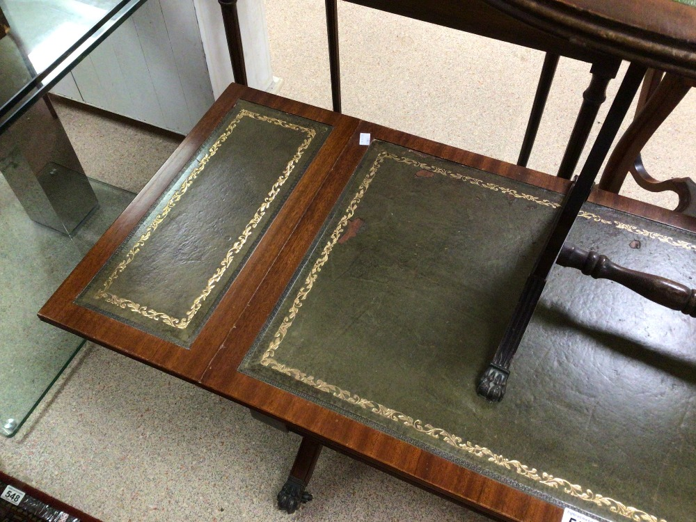 A GREEN DROP END SOFA TABLE WITH A DROP END SIDE TABLE BOTH WITH GREEN LEATHER TOPS, LARGEST 96 X 50 - Image 4 of 4