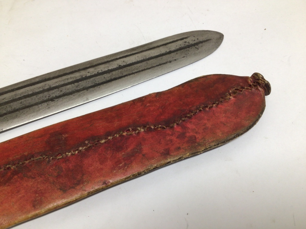 AN EARLY LEATHER HANDLE MACHETE WITH LEATHER SHEATH - Image 6 of 6