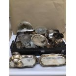 A MIXED COLLECTION OF WHITE METAL / SILVER PLATED AND CLEAR GLASS ITEMS, INCLUDES BOWLS, TRAYS,