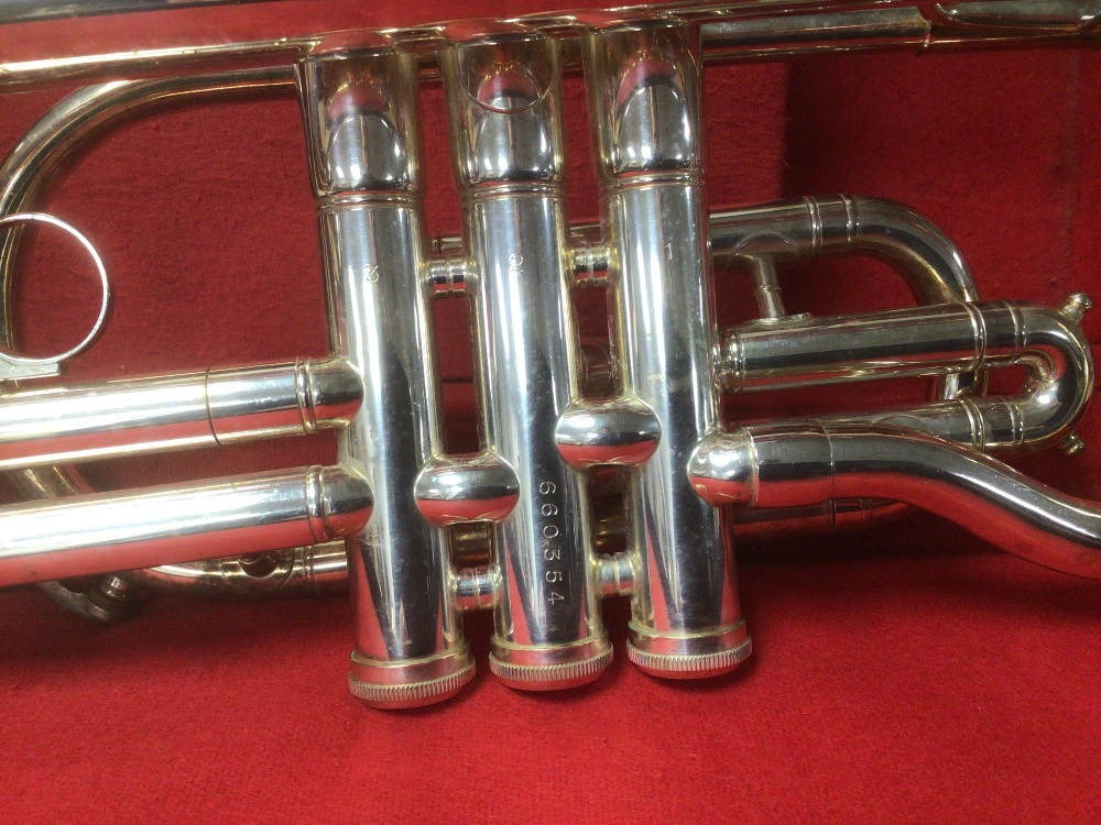 AN AMERICAN D.E.C DYNASTY CORNET, IN HARD PADDED CASE, WITH CONTENTS INCLUDING CLEANING KIT, - Image 4 of 4