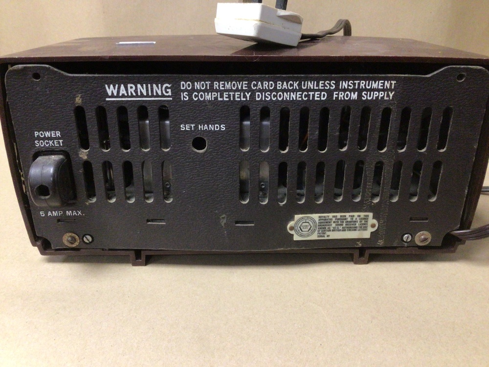 A RETRO C.1950 HIS MASTERS VOICE (HMV) CLOCK RADIO MODEL 1127, SERIAL 90362, (UNTESTED) - Image 5 of 7