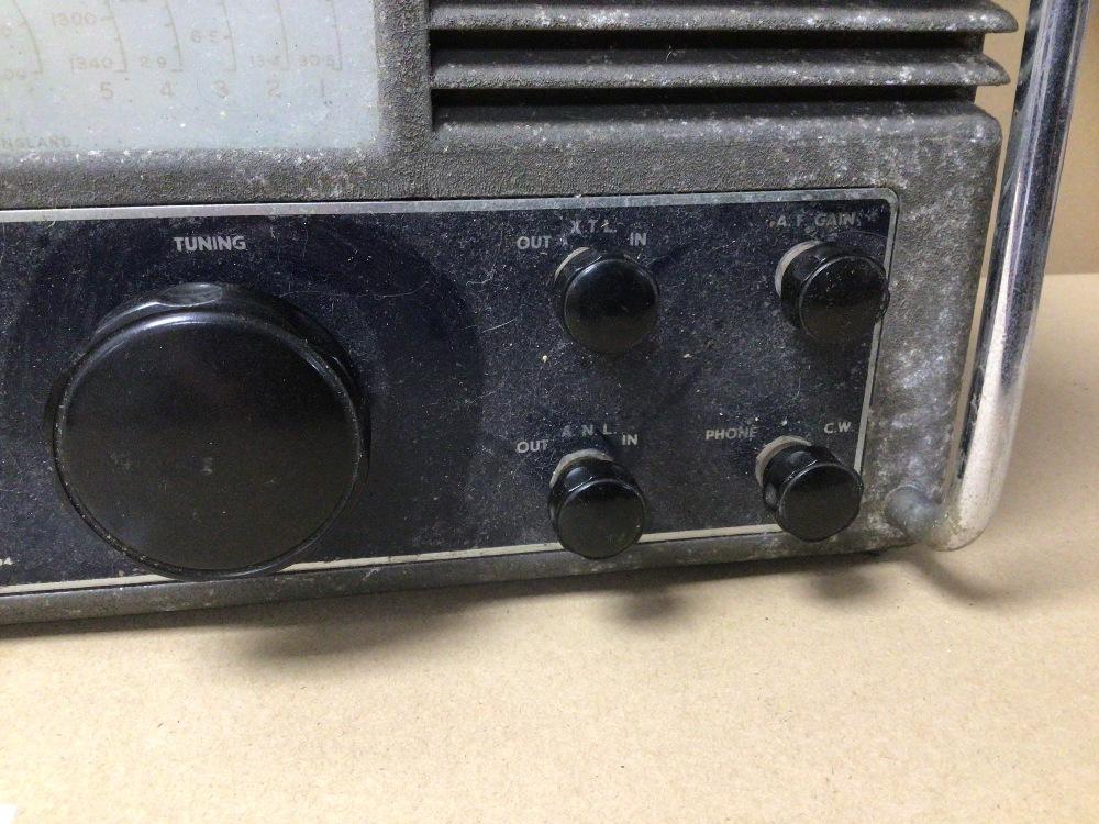 A VINTAGE C.1946 METAL CASE EDDYSTONE VALVE RADIO, MODEL S 504 - Image 3 of 4