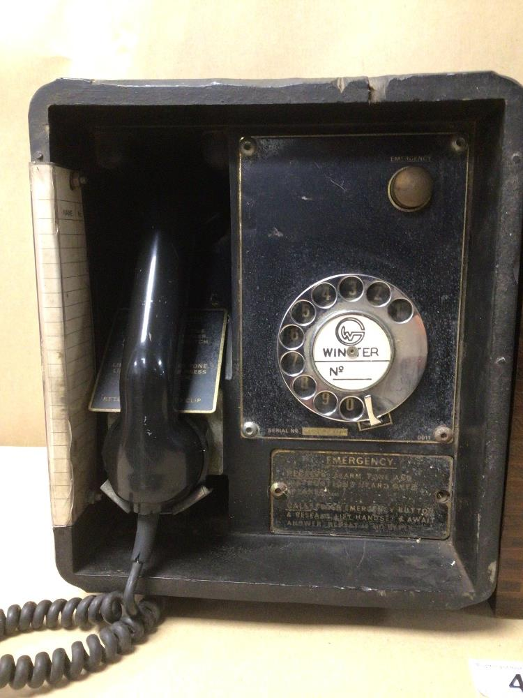 A RETRO C.1950 BLACK BAKELITE WINSTER TELEPHONE SYSTEM/BOX (MKIII, SN. 1186), TOGETHER WITH AN EMPTY - Image 2 of 6