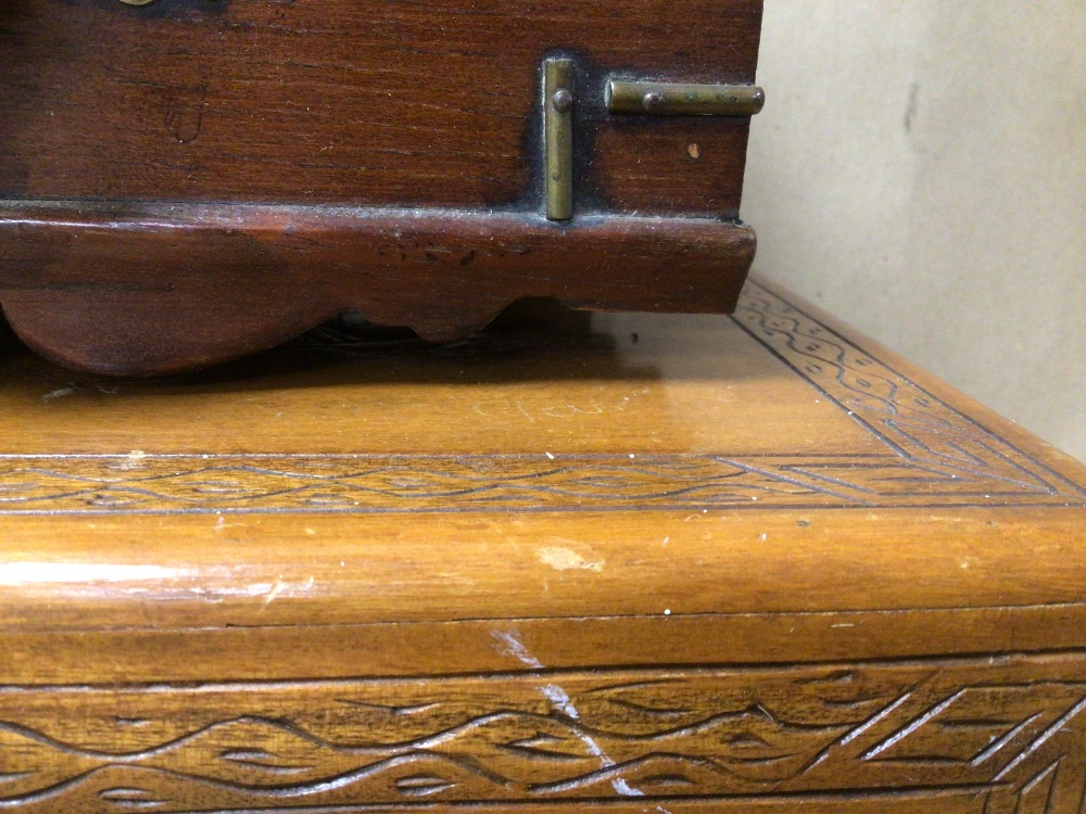 THREE WOODEN TRINKET/JEWELLERY BOXES, A/F - Image 5 of 8