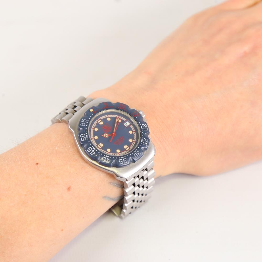 TAG HEUER - a stainless steel Formula 1 Professional 200M quartz wristwatch, ref. WA1210, blue - Image 5 of 5