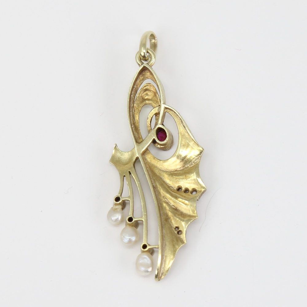 An Art Nouveau Continental 14ct gold ombre enamel ruby pearl and diamond floral pendant, openwork - Image 4 of 5