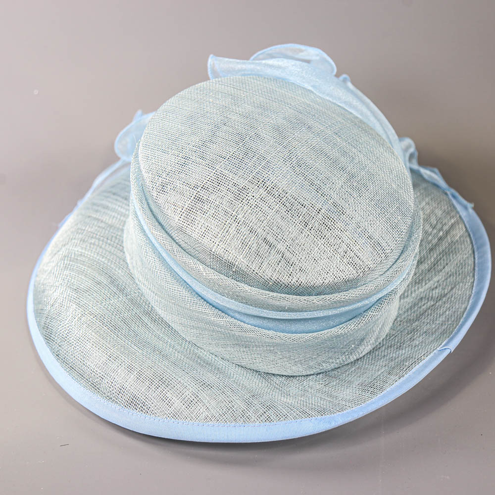 A HAT STUDIO DESIGN - Powder blue occasion hat, with organza bow, internal circumference 55cm, - Image 5 of 7