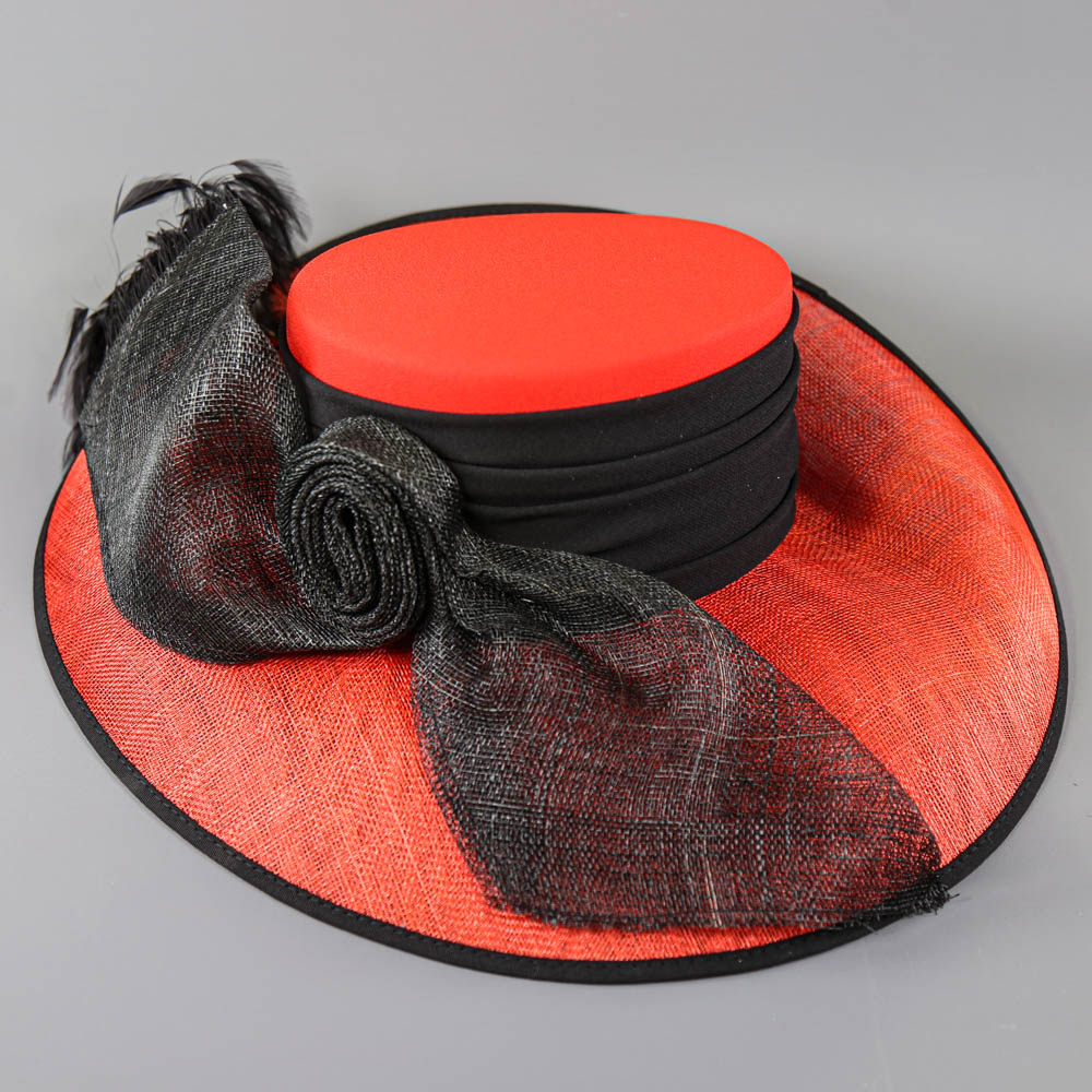 CAPPELLI CONDICI - Red and black occasion hat, with feather detail, internal circumference 55cm, - Image 8 of 8