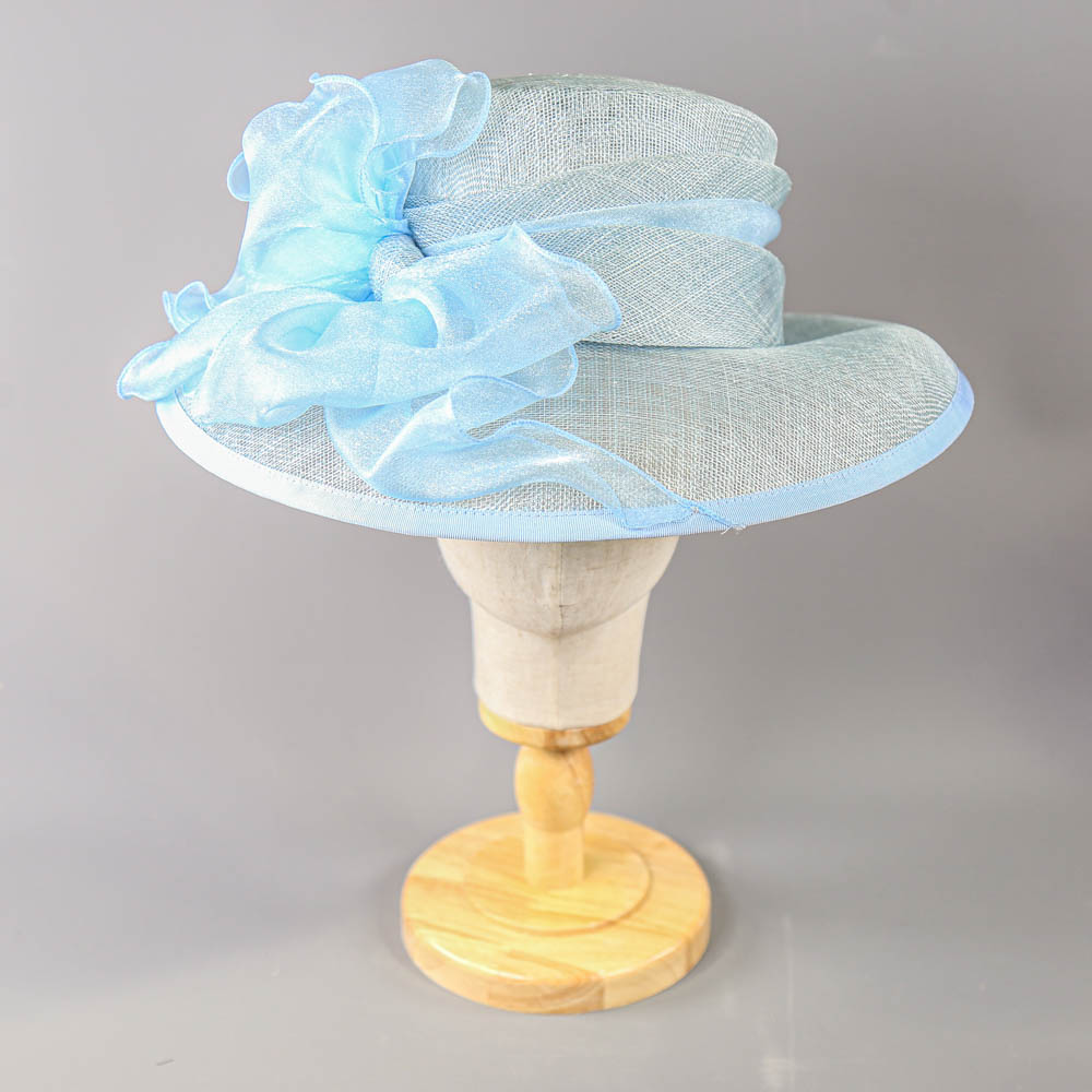 A HAT STUDIO DESIGN - Powder blue occasion hat, with organza bow, internal circumference 55cm, - Image 2 of 7