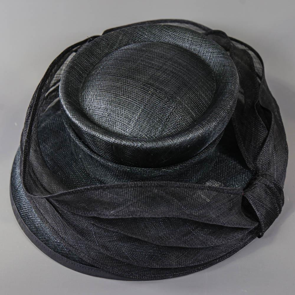 MY HATS GWYTHER-SNOXELLS ENGLISH MILLINERY - Dark navy blue occasion hat, with frill detail, - Image 6 of 7