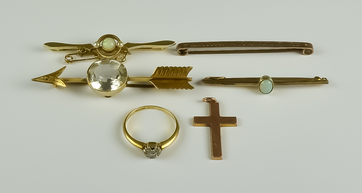 A Mixed Lot of Gold, comprising - a 15ct gold and opal bar brooch, an 18ct gold bar brooch in the