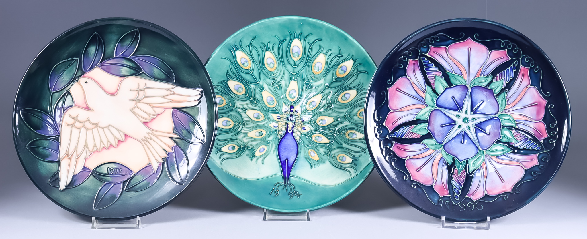 A Limited Edition Moorcroft Pottery Year Plate for 1993, No. 181 of 500, from Second Series,