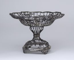An Edward VII Silver Wirework Comport, by William Comyns & Son, London 1908, of shaped outline, with