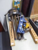 RECORD LARGE BLUE METAL BENCH VICE, SHAPE CRAFT BOX DOWELLING JIG, DRILL BITS IN WOODEN STAND ETC?