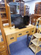 AN EARLY TWENTIETH CENTURY DRESSING TABLE WITH TRIPTYCH MIRROR AND A MATCHING CHEST OF FOUR