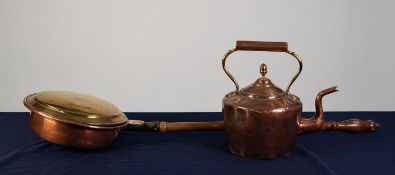 ANTIQUE SEAMED COPPER KETTLE, with acorn knop to the cover, 12? (30.5cm) high, together with an