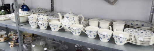 AN EXTENSIVE CHURCHILL POTTERY BREAKFAST SERVICE FOR NINE PERSONS (APPROX 70 PIECES)