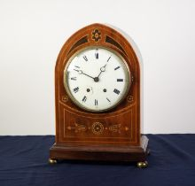 EARLY 20th CENTURY, LATE GEORGIAN STYLE, INLAID MAHOGANY LANCET ARCH TOP MANTEL CLOCK, with French 8
